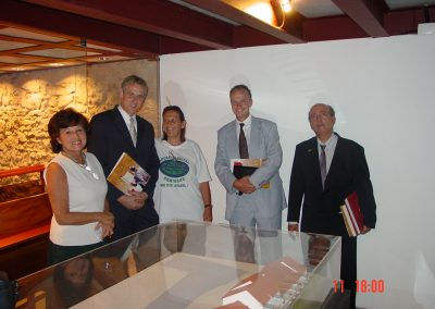 Dutch Embassy, Dutch Hon. Consul and MoWIC visiting the Synagogue