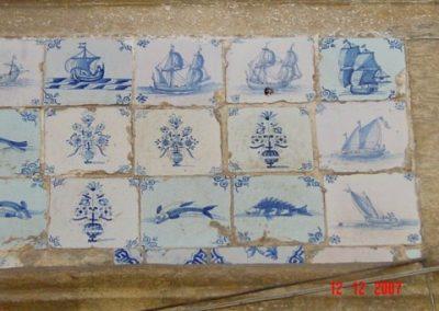 Wand 2. Zee elementen en een paar bloempotjes